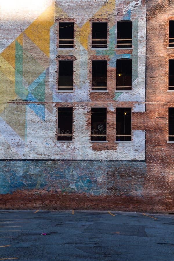 Verlaten bakstenen die Detroit inbouwen stock foto's