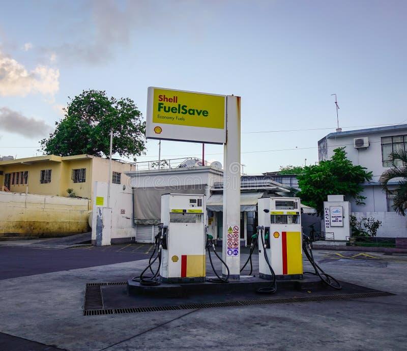 Verlaten benzinepost in Mauritius royalty-vrije stock afbeelding