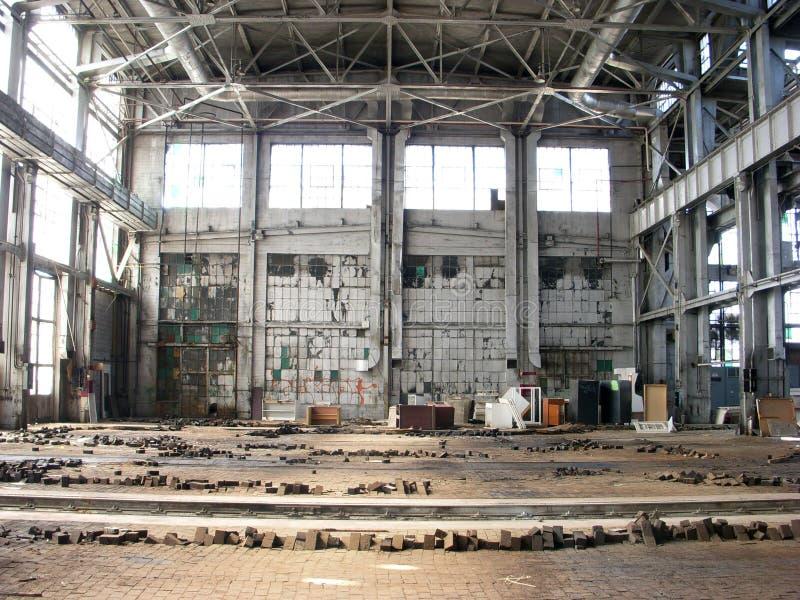 Verlaten Fabriek - Vloer aan Celling royalty-vrije stock afbeeldingen