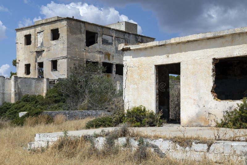 Verlaten gebouwen - Famagusta - Turks Cyprus stock afbeelding