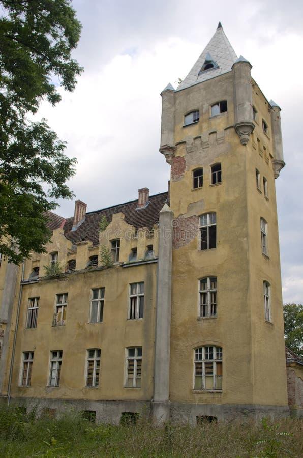 Verlaten herenhuis in Duitsland royalty-vrije stock foto's