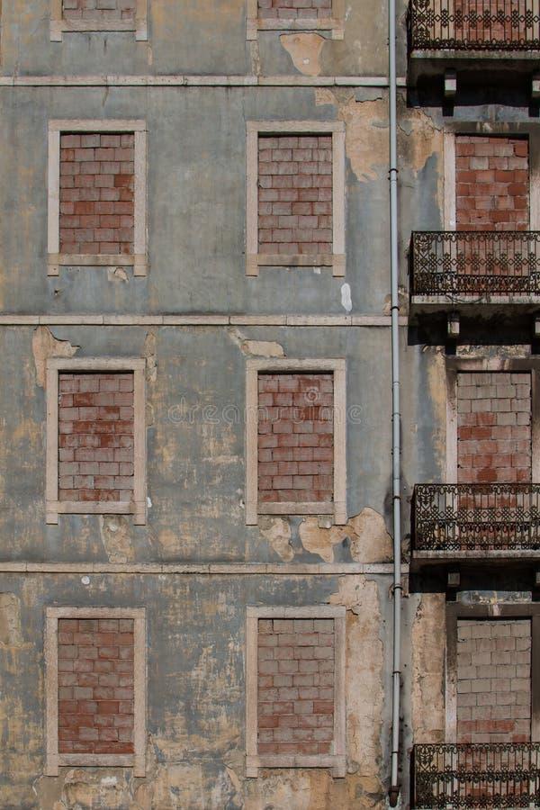 Verlaten huis in Lissabon, Portugal stock afbeelding