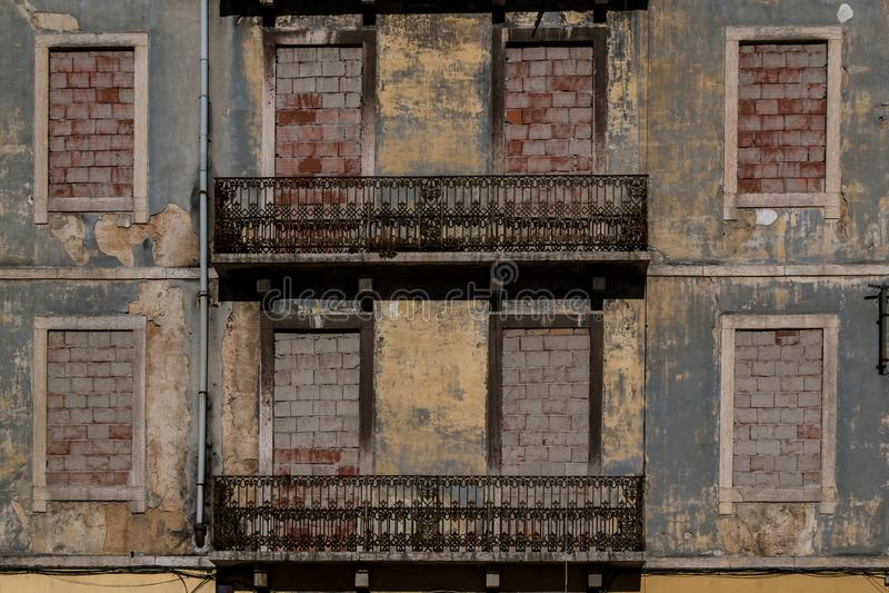 Verlaten huis in Lissabon, Portugal royalty-vrije stock foto's