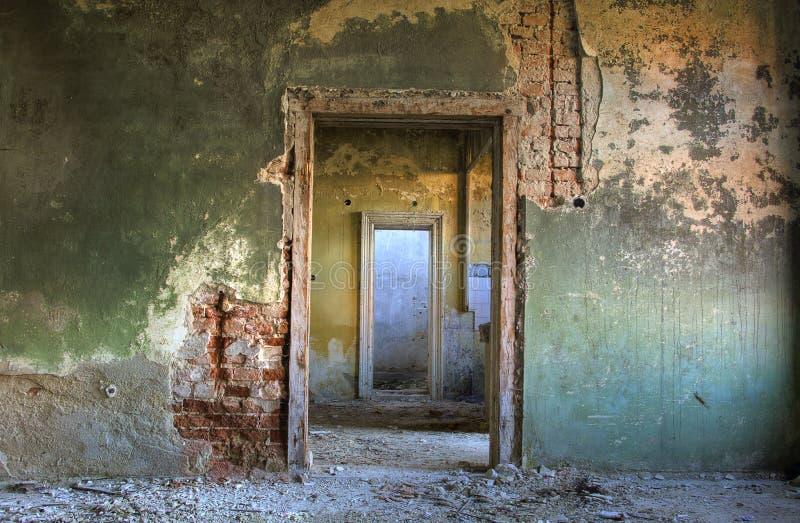 Verlaten huisdetail stock afbeeldingen