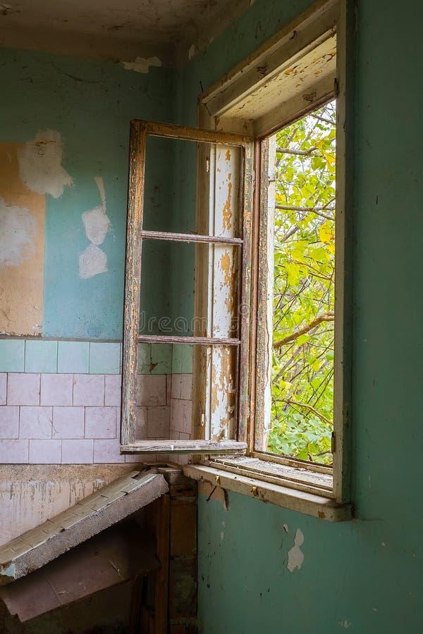 Verlaten huiskeuken stock afbeeldingen