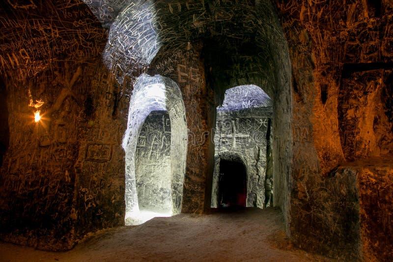 Verlaten krijtachtig ondergronds holklooster, ondergrondse kerk in Kalach stock afbeeldingen