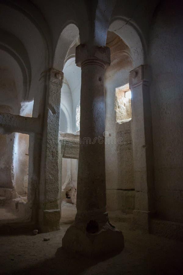 Verlaten krijtachtig ondergronds holklooster, ondergrondse kerk in Kalach, Voronezh-gebied royalty-vrije stock foto's