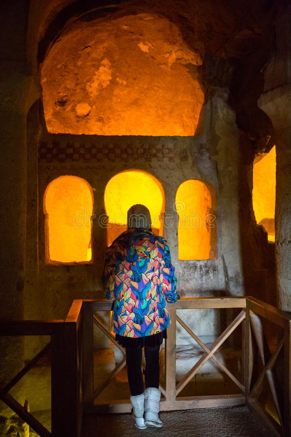 Verlaten krijtachtig ondergronds holklooster, ondergrondse kerk in Kalach, Voronezh-gebied, het ` s één van het meest stock foto's