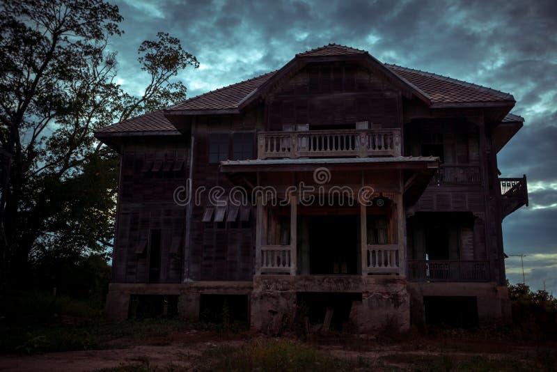 Verlaten Oud Huis stock afbeeldingen