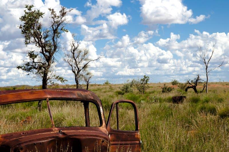 Verlaten Rusty Car - Binnenland Australië royalty-vrije stock fotografie