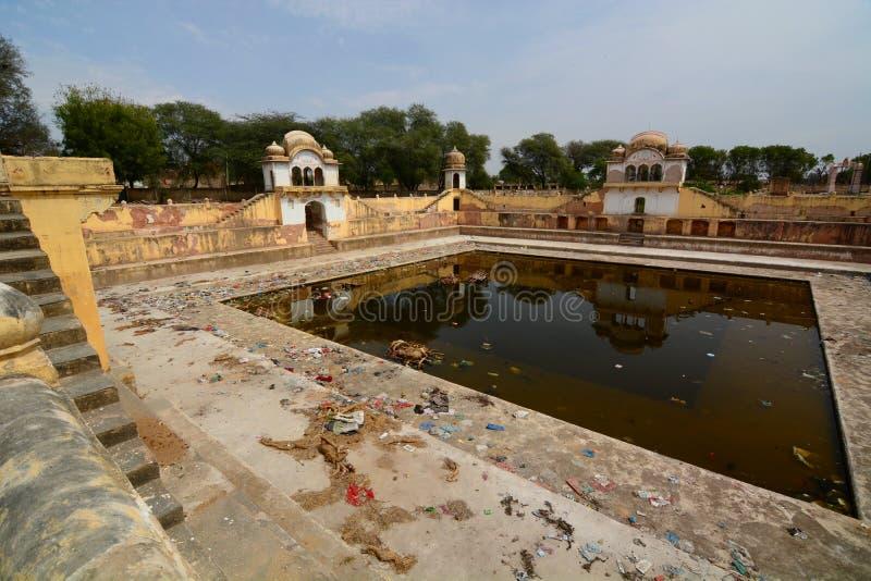 Verlaten stepwell Fatehpur Rajasthan India stock afbeelding