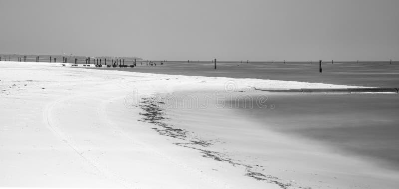 Verlaten strand in Waveland, de Mississippi royalty-vrije stock afbeeldingen