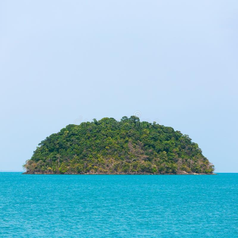 Verlaten tropisch eiland royalty-vrije stock foto's