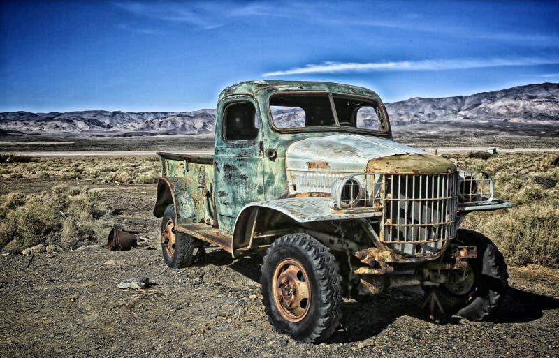 Verlaten vrachtwagen oud royalty-vrije stock afbeeldingen