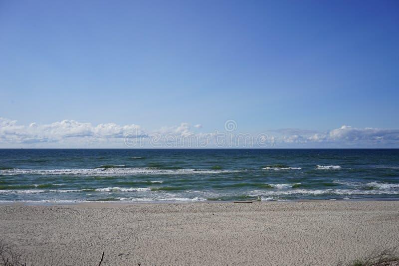 Verlaten zeegezicht op de Oostzee stock foto