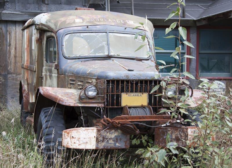 Verlaten Ziekenwagenauto in Skagway royalty-vrije stock foto