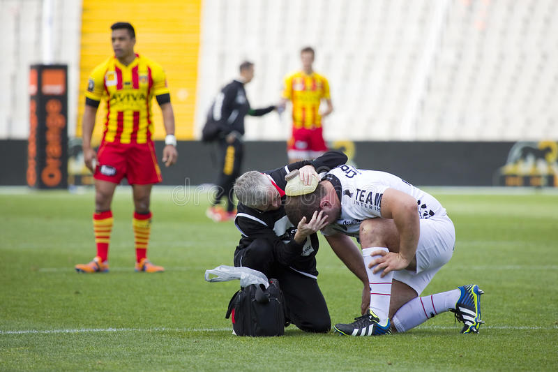 Verletzter Rugbyspieler lizenzfreie stockbilder
