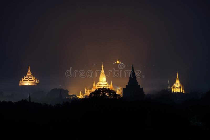 Verlichting van oud Ananda Temple royalty-vrije stock afbeelding