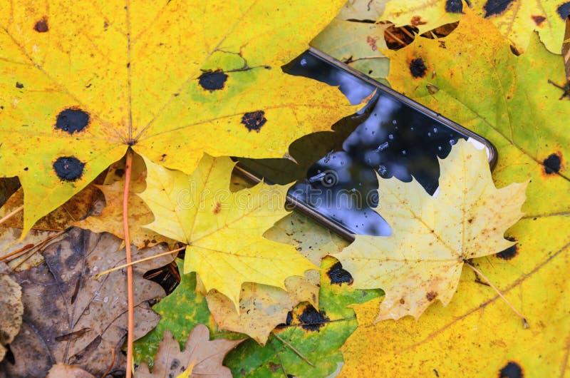 Verloren celtelefoon stock foto