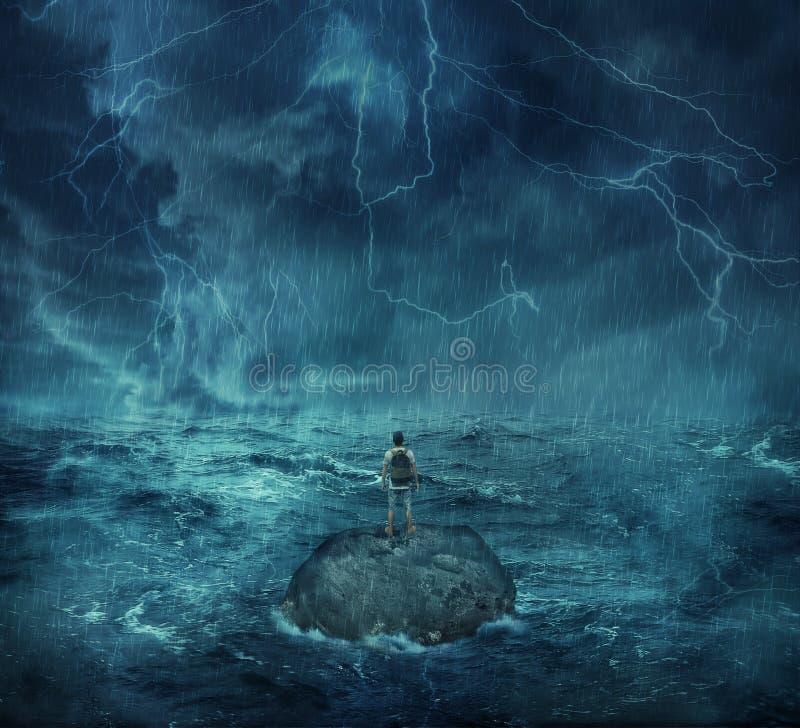 Verloren in de oceaan stock afbeelding