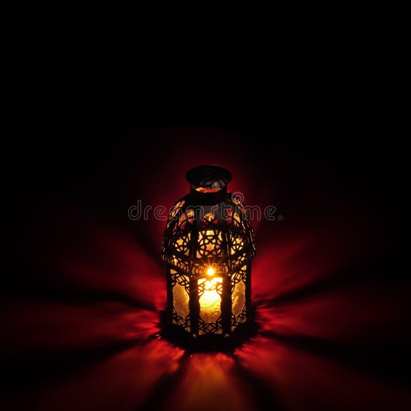 Vermelho árabe da lanterna fotografia de stock royalty free