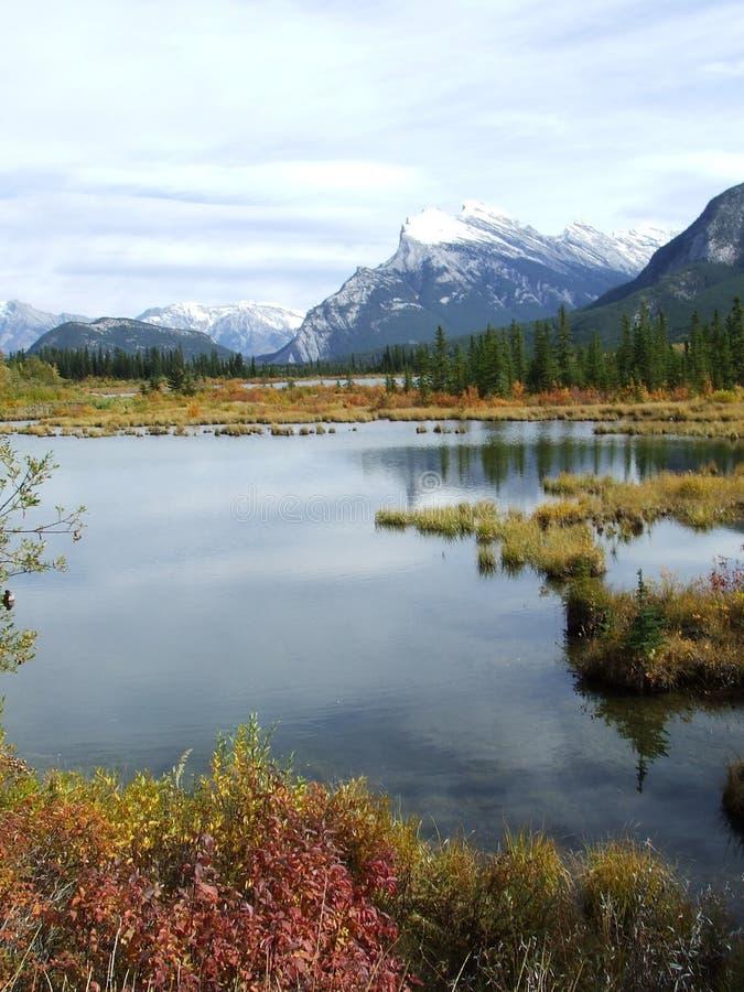 vermillion banff lakes royaltyfria bilder