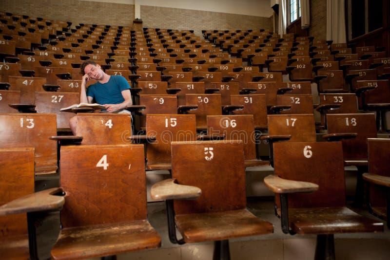 Vermoeide Universitaire Student stock fotografie