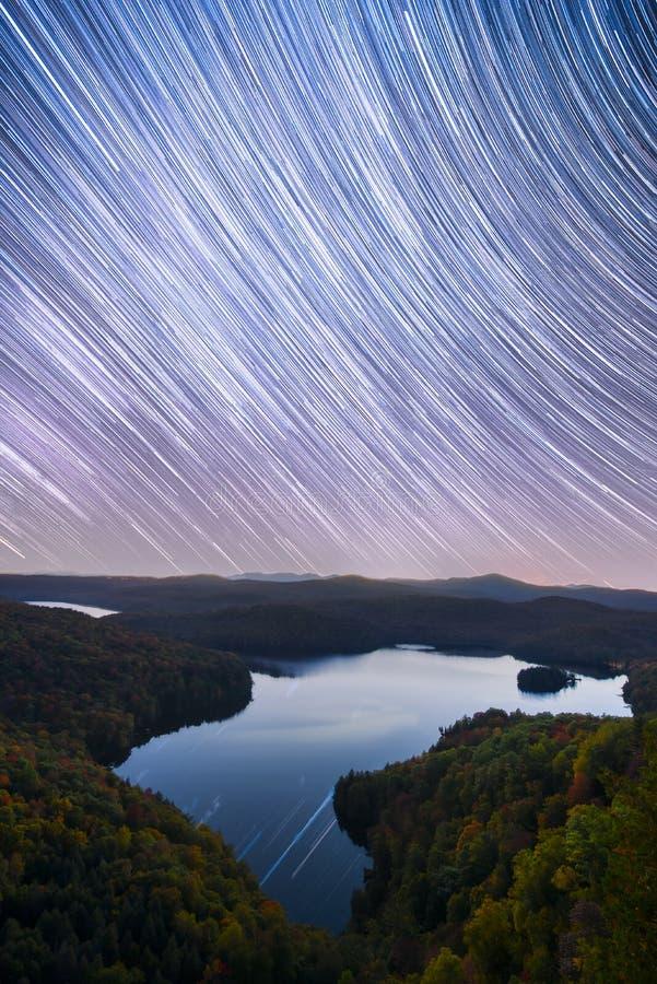 Vermont-Sterne im Fall stockbild