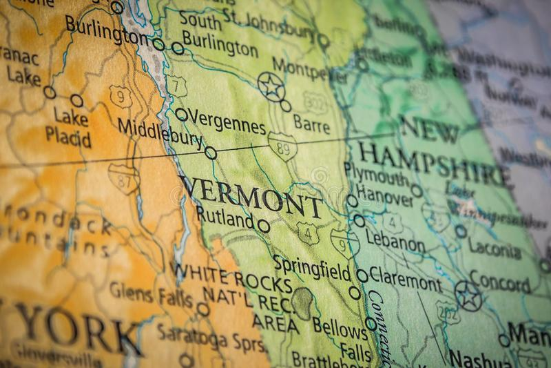 Vermontstatens selektiva fokus på Förenta staternas geografiska och politiska statskarta royaltyfri fotografi