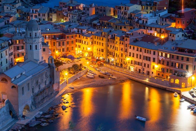 Vernazza在晚上, Cinque Terre,意大利 库存照片