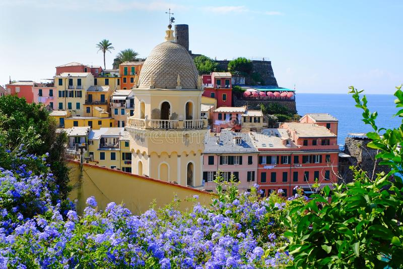 Vernazza, старая деревня Cinque Terre стоковое изображение