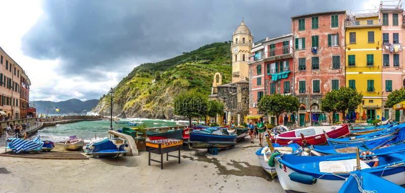 Vernazza, Cinque Terre, Liguria, Italy fotos de stock