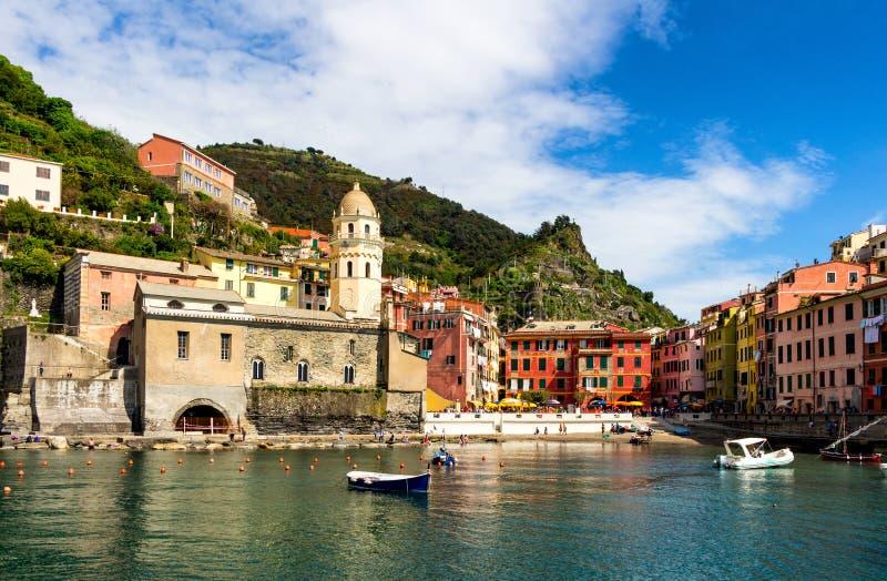 Vernazza em Cinque Terre, Liguria, Itália fotos de stock royalty free