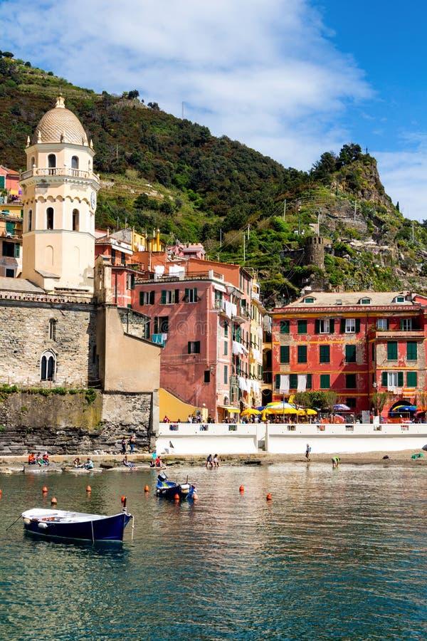 Vernazza em Cinque Terre, Liguria, Itália foto de stock
