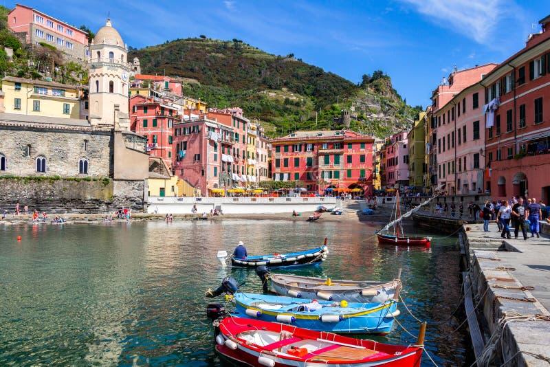 Vernazza em Cinque Terre, Liguria, Itália fotografia de stock royalty free