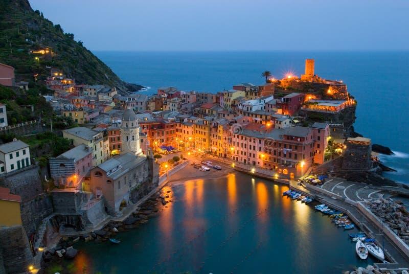 Vernazza Italia alla notte fotografie stock