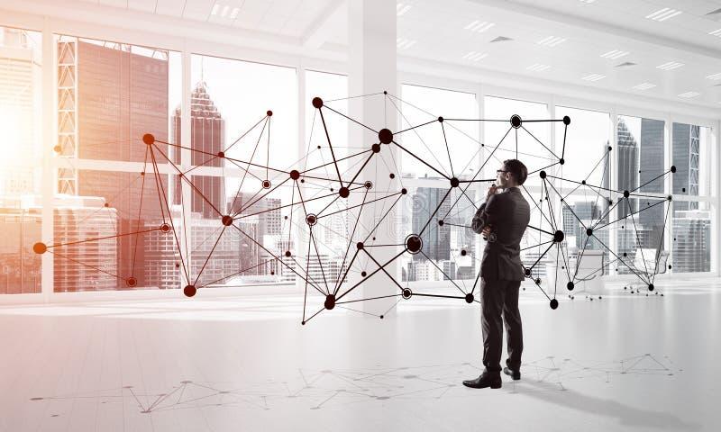 Vernetzung und Sozialkommunikationskonzept als effektiver Punkt f?r modernes Gesch?ft lizenzfreie stockfotos