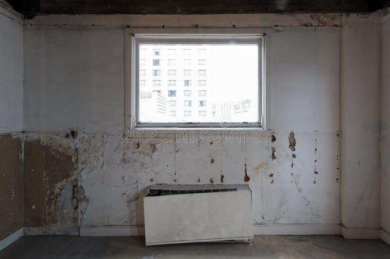 Vernieling - verbeteringen bij de bestaande bouw stock foto