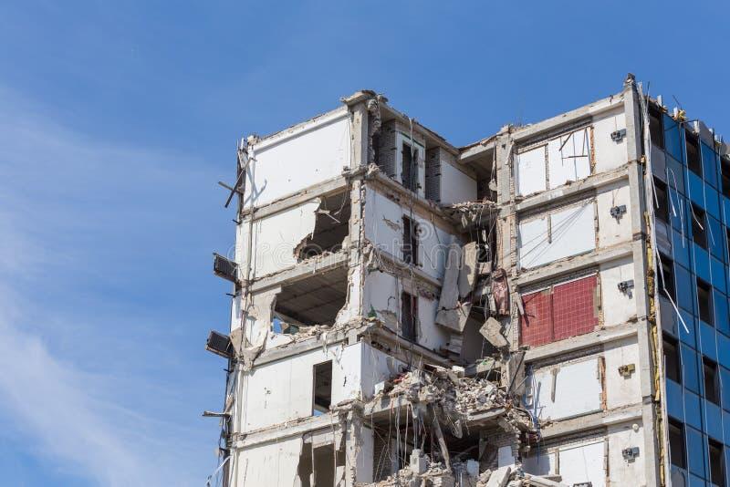 Vernietigd huis vóór wederopbouw royalty-vrije stock foto