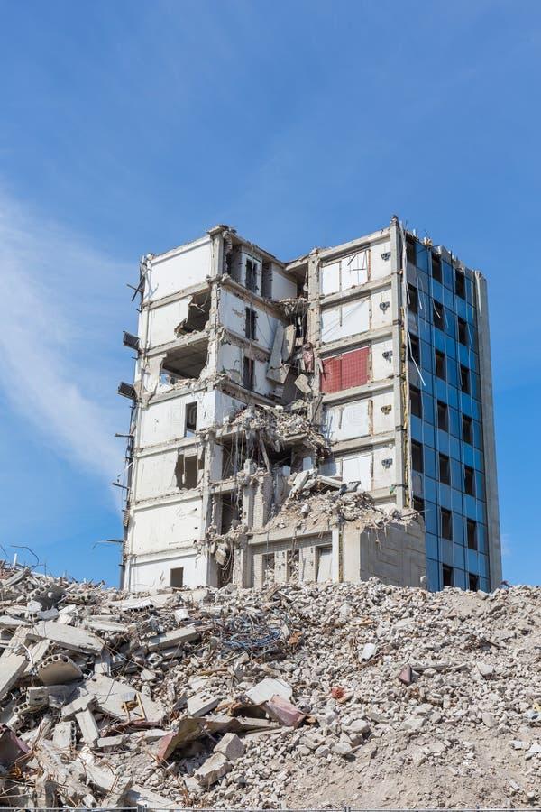 Vernietigd huis vóór wederopbouw royalty-vrije stock afbeelding