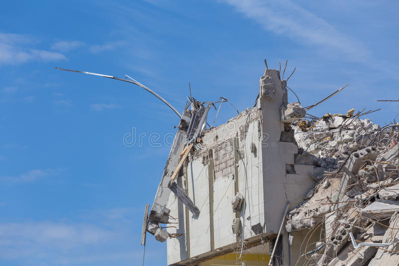 Vernietigd huis vóór wederopbouw royalty-vrije stock foto's
