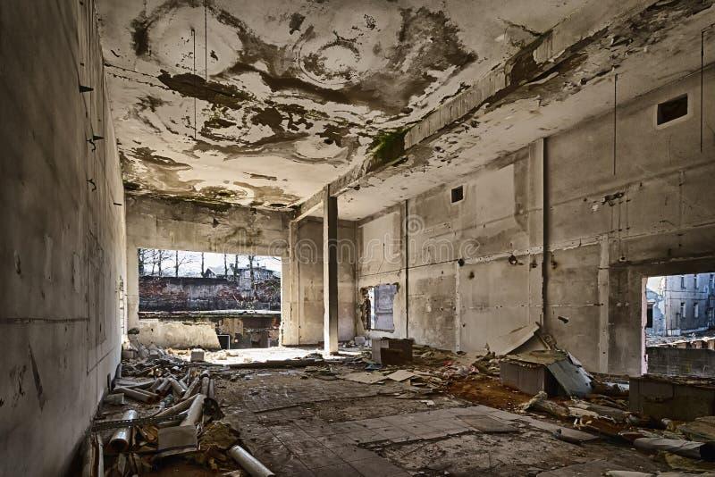 Vernietigd pakhuis stock foto's