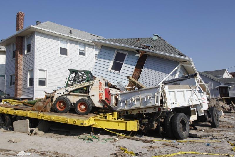 Vernietigd strandhuis in de nasleep van Orkaan Zandig in Verre Rockaway, New York royalty-vrije stock fotografie