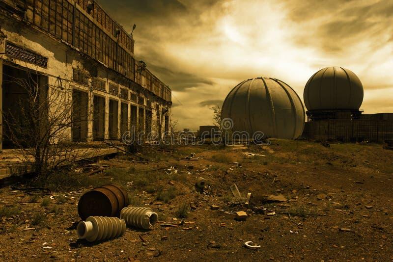 Vernietigde gebouwen in de militaire stad royalty-vrije stock afbeelding