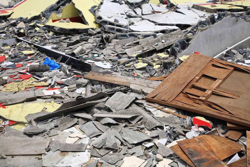 Vernietigde huisvoorwerpen royalty-vrije stock foto's