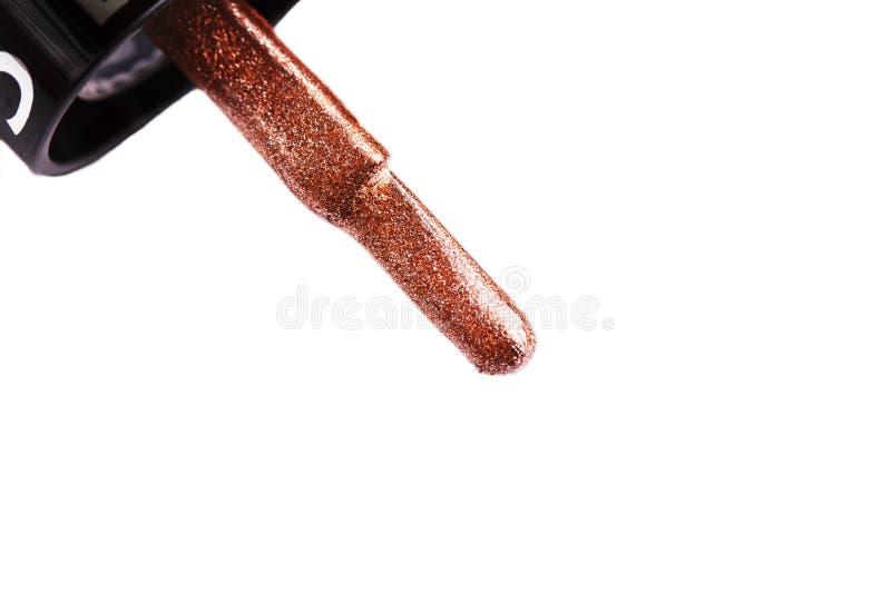 Vernis à ongles Macro de brosse Chemin de coupure D'isolement sur le fond blanc images stock