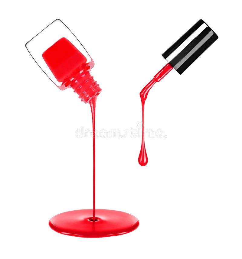 Verniz para as unhas que derrama fora da garrafa isolada no branco imagens de stock royalty free