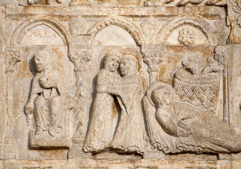 Verona - alivio de San Zeno de la basílica de la natividad imagenes de archivo