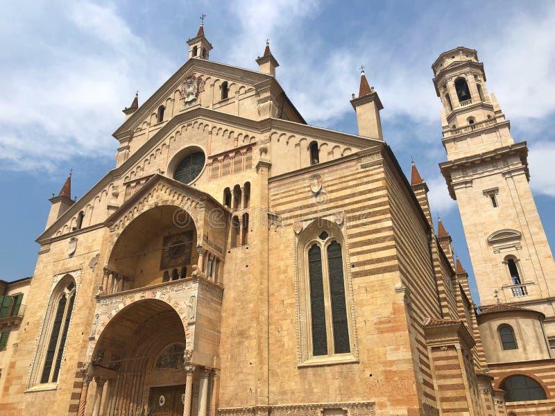 Verona Cathedral Es una catedral católica en Verona, no fotografía de archivo