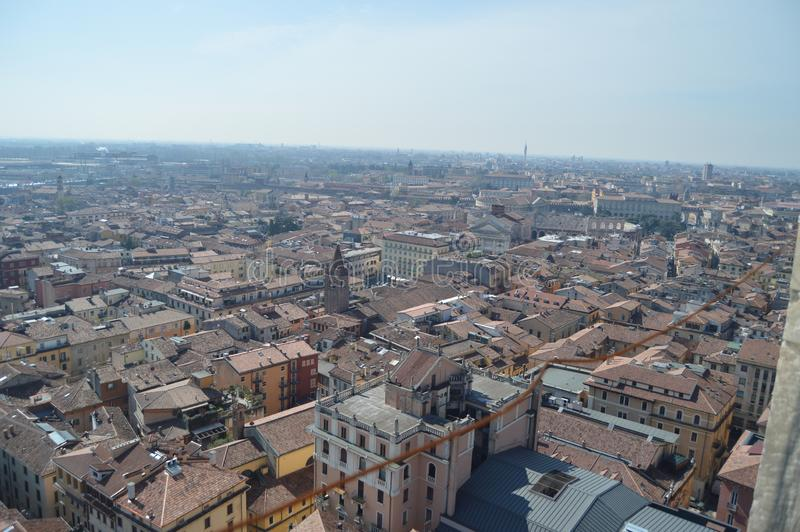 Verona City View From Torre Dei Lamberti i Verona royaltyfri bild